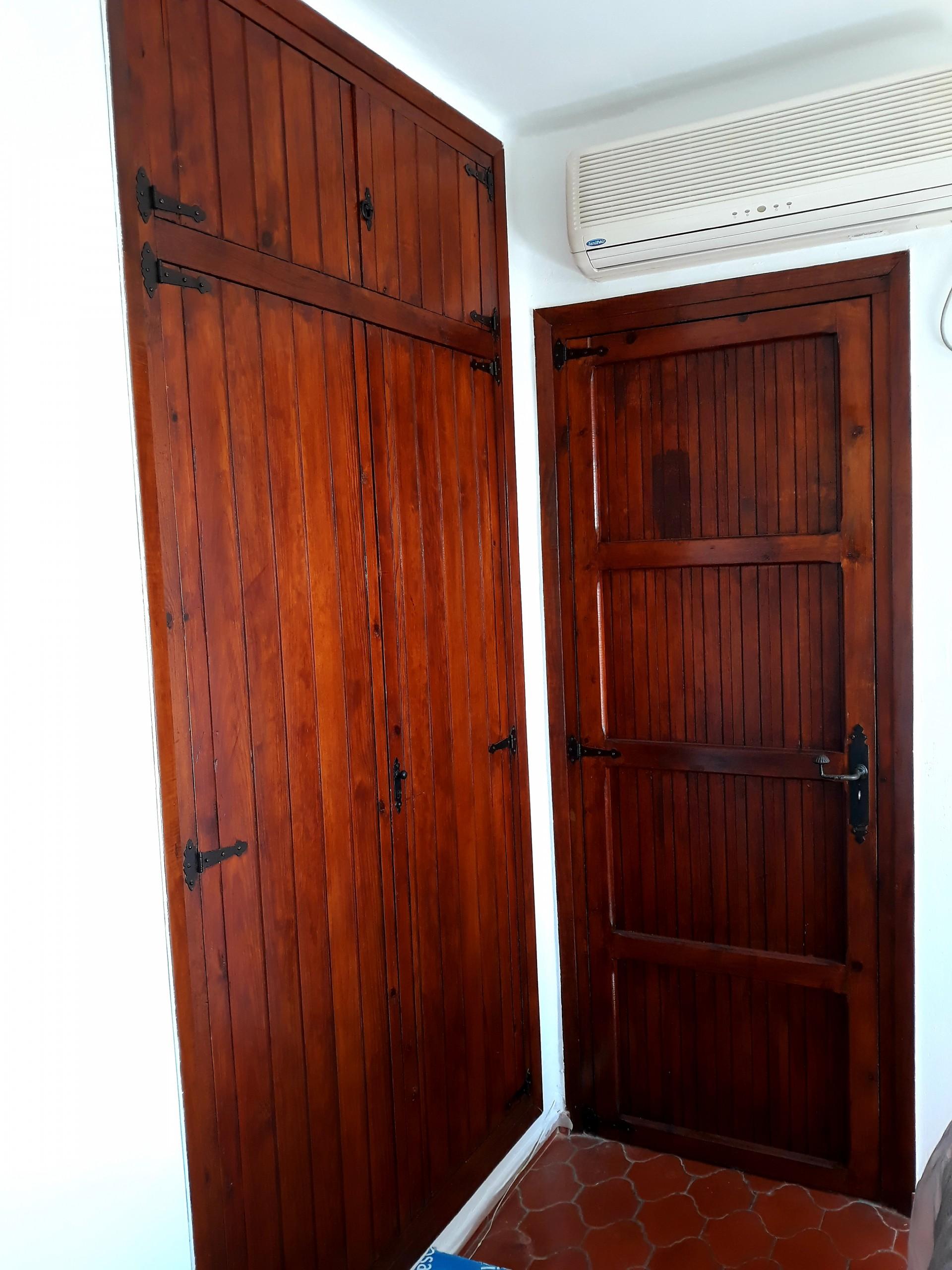 armario barnizado
